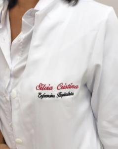 jaleco bordado com nome da enfermeira hospitalista
