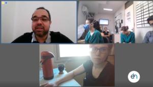 imagem mostra médicos e enfermeiros do Hospital Unimed Caruaru em round do Telehospitalista
